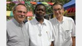 Twee broeders in Ghana door Rotary benoemd tot Paul Harris Fellow