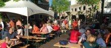 Bevrijdingsontbijt op de Brink in Baarn