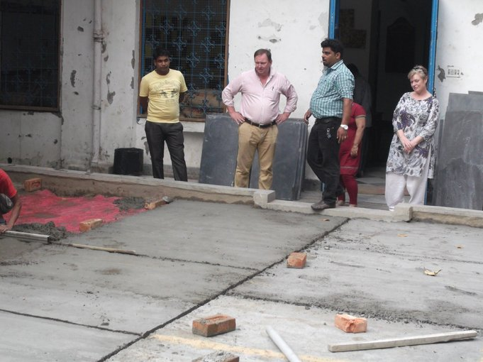 D:\DATA\Rotary\Website Rotary\3- Nieuws\Archief 2013-2014\Kolkata Rowland Road Back Garden Synthetic Grass work\Rowland Road Back Garden Synthetic Grass work Day 5\DSCF0107.JPG