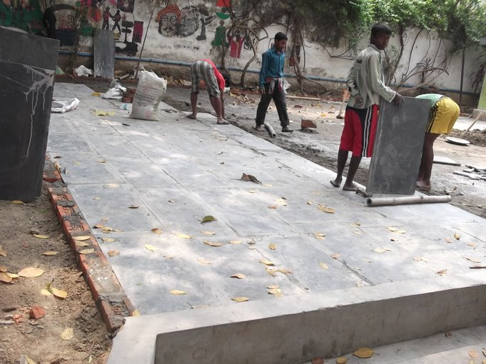 D:\DATA\Rotary\Website Rotary\3- Nieuws\Archief 2013-2014\Kolkata Rowland Road Back Garden Synthetic Grass work\Rowland Road Back Garden Synthetic Grass work Day 6\DSCF0127.JPG