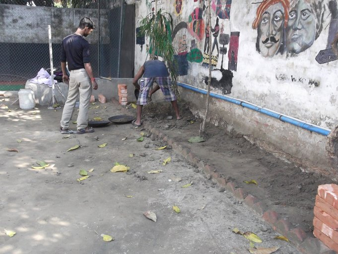 F:\Website Rotary\3- Nieuws\Archief 2013-2014\Kolkata Rowland Road Back Garden Synthetic Grass work\Rowland Road Back Garden Synthetic Grass work Day 1\DSCF0040.JPG