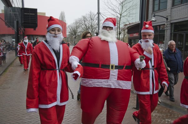 Macintosh HD:Users:stephanvanderveer:Downloads:Rotary Santa Run 2017:Rotary Santa Run 2017 053.jpg