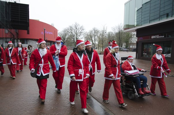 Macintosh HD:Users:stephanvanderveer:Downloads:Rotary Santa Run 2017:Rotary Santa Run 2017 049.jpg