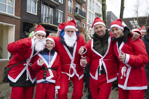 Macintosh HD:Users:stephanvanderveer:Downloads:Rotary Santa Run 2017:Rotary Santa Run 2017 057.jpg