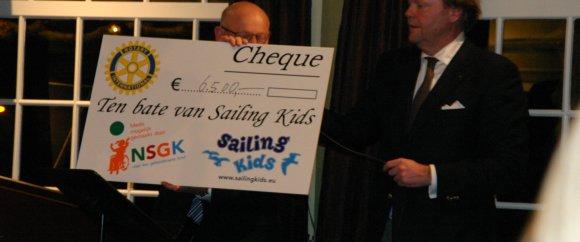 cheque voor het goede doel