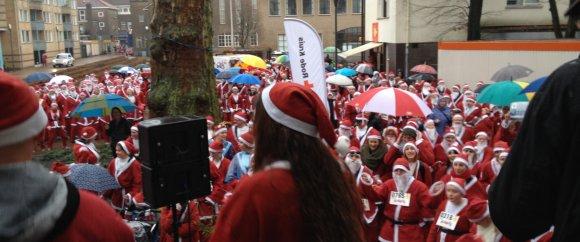 1.040 kerstmannen (m/v) op de Klokkenplas