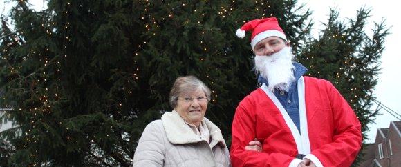 Mevr. Drost schenker van de kerstboom